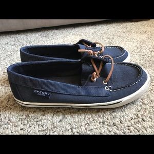 Super cute - only worn once- navy boat shoes!